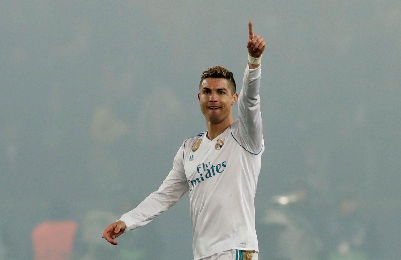 Ronaldo ăn mừng bàn mở tỉ số cho R.M. Ảnh: REUTERS