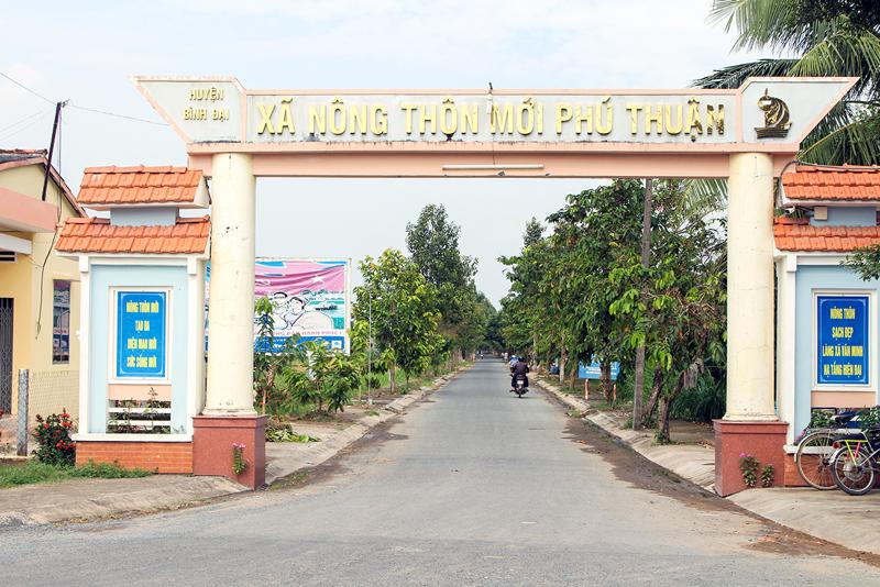 Xã nông thôn mới Phú Thuận. Ảnh: T. Lập