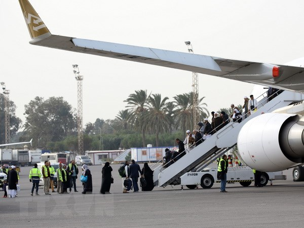 Hành khách đáp máy bay tại sân bay quốc tế Tripoli (Libya) ngày 20-1. Ảnh minh họa. (Nguồn: THX/TTXVN)