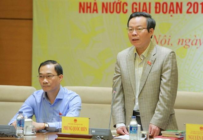 Phó chủ tịch Quốc hội Phùng Quốc Hiển phát biểu tại cuộc họp. (Ảnh: Dương Giang/TTXVN)