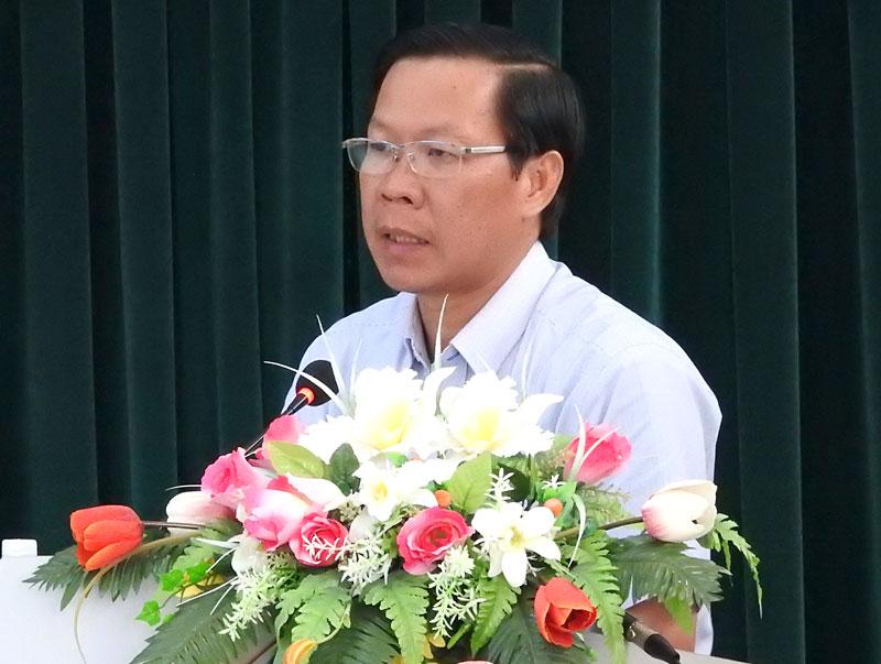 Phó bí thư Thường trực Tỉnh ủy Phan Văn Mãi phát biểu chỉ đạo tại hội nghị. Ảnh: Thanh Đồng