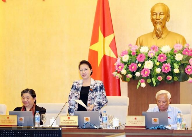 Chủ tịch Quốc hội Nguyễn Thị Kim Ngân chủ trì và phát biểu bế mạc Phiên họp thứ 24 của Ủy ban Thường vụ Quốc hội. (Ảnh: Trọng Đức/TTXVN)