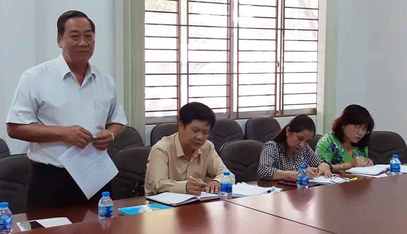 Phó chủ tịch UBND tỉnh Nguyễn Hữu Phước phát biểu tại buổi làm việc.