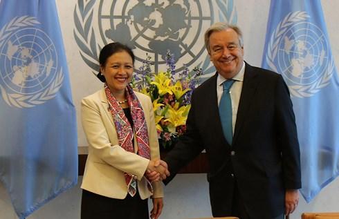 Tổng Thư ký Liên Hợp Quốc Antonio Guterres (phải) và Đại sứ Nguyễn Phương Nga.