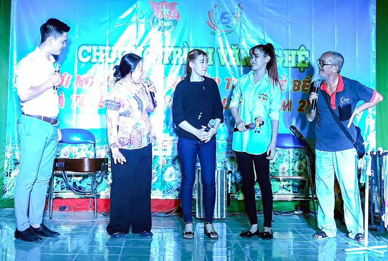 Tiểu phẩm kịch tuyên truyền về Đồng khởi khởi nghiệp tại chương trình.