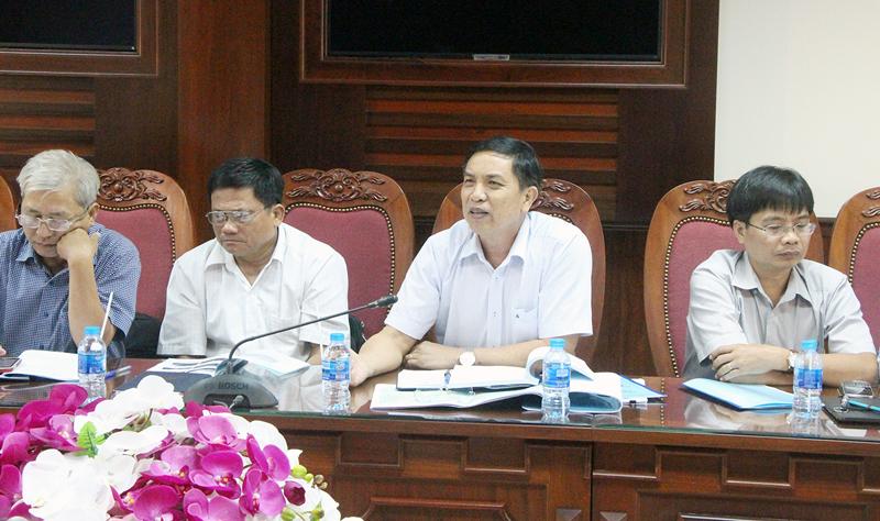 Chủ tịch UBND tỉnh Cao Văn Trọng tại buổi làm việc. Ảnh: Hoa Tranh