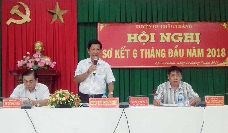 Bí thư Huyện Ủy Châu Thành Trương Minh Nhựt chủ trì hội nghị. Ảnh: Hoàng Loan