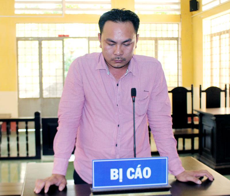 Bị cáo Phan Văn Trường Vang tại phiên tòa hình sự sơ thẩm ngày 1-8-2018. Ảnh: H. Đức