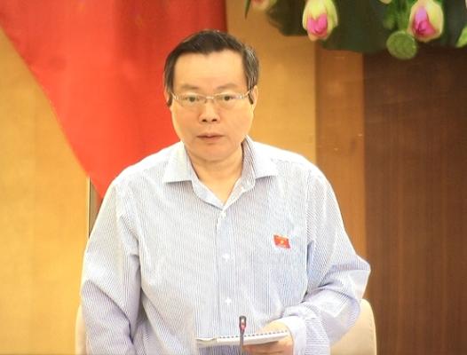 Phó chủ tịch Quốc hội Phùng Quốc Hiển phát biểu kết thúc thảo luận. Ảnh: VA