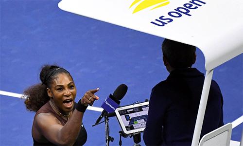 Một trong những hình ảnh đáng quên của Serena trong trận chung kết Mỹ mở rộng 2018. Ảnh: USA Today.