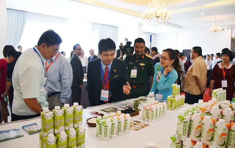 Nhiều sản phẩm dừa Bến Tre sẽ được tập trung giới thiệu tại CAEXPO năm 2018. Ảnh: C.Trúc