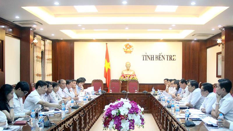 Chủ tịch UBND tỉnh Cao Văn Trọng tại buổi làm việc. Ảnh: Ngân Hà