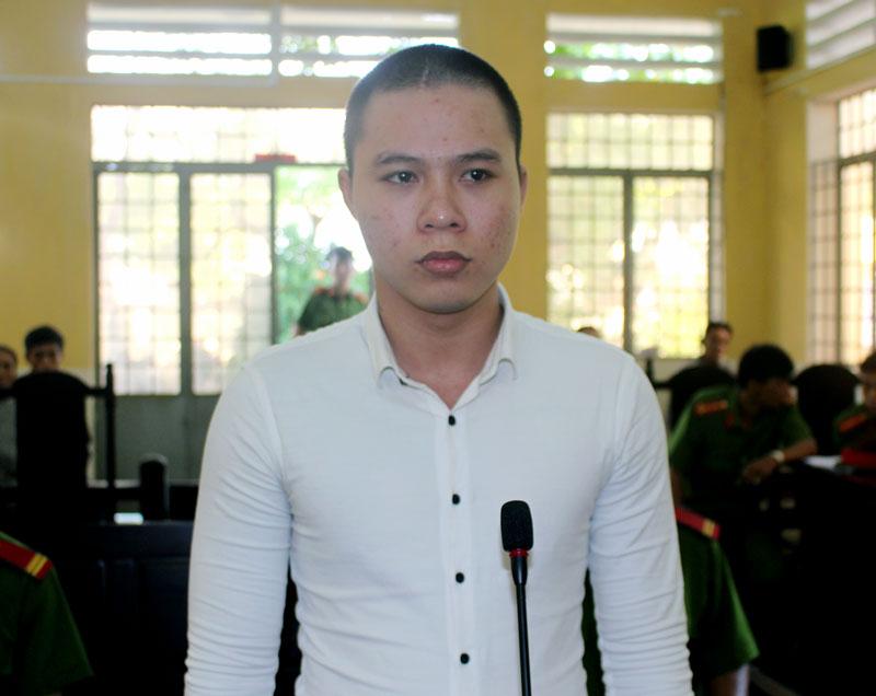 Bị cáo Trần Văn Tài tại phiên tòa hình sự sơ thẩm ngày 20-9-2018. Ảnh: H. Đức