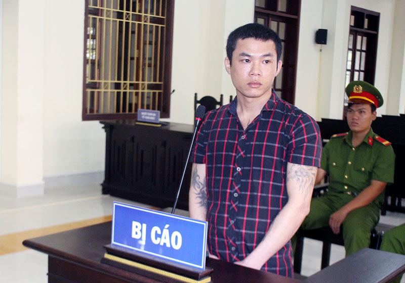 Bị cáo Phan Văn Quận tại phiên tòa hình sự phúc thẩm ngày 21-9-2018. Ảnh: H. Đức