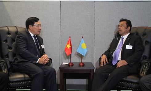 Phó thủ tướng Bộ trưởng Phạm Bình Minh và Tổng thống Palau Tommy Remengesau.