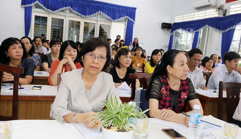 Đại biểu tham dự hội thảo khoa học kỹ thuật. Ảnh: Phan Hân