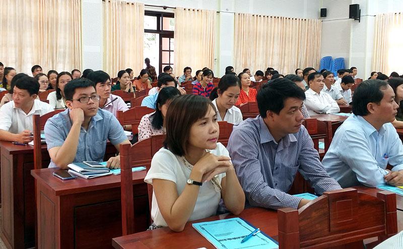 Các học viên tại buổi tập huấn.