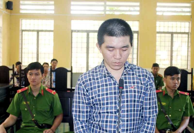 Bị cáo Nguyễn Thanh Tùng tại phiên tòa hình sự sơ thẩm ngày 10-10-2018. Ảnh: H. Đức