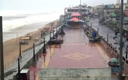 Bão Titli đổ bộ vào Ấn Độ. Ảnh: NDTV