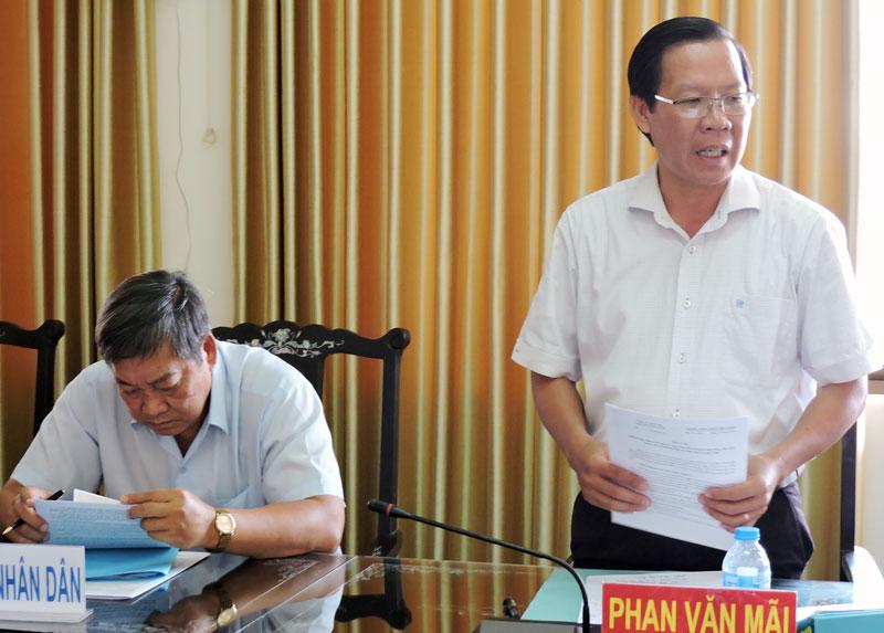 Phó bí thư Thường trực Tỉnh ủy Phan Văn Mãi phát biểu tại buổi làm việc. Ảnh: Phạm Tuyết