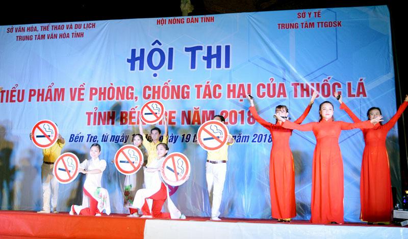 Hội thi nhằm đẩy mạnh công tác tuyên truyền về việc không nên hút thuốc lá. Ảnh: A. Nguyệt