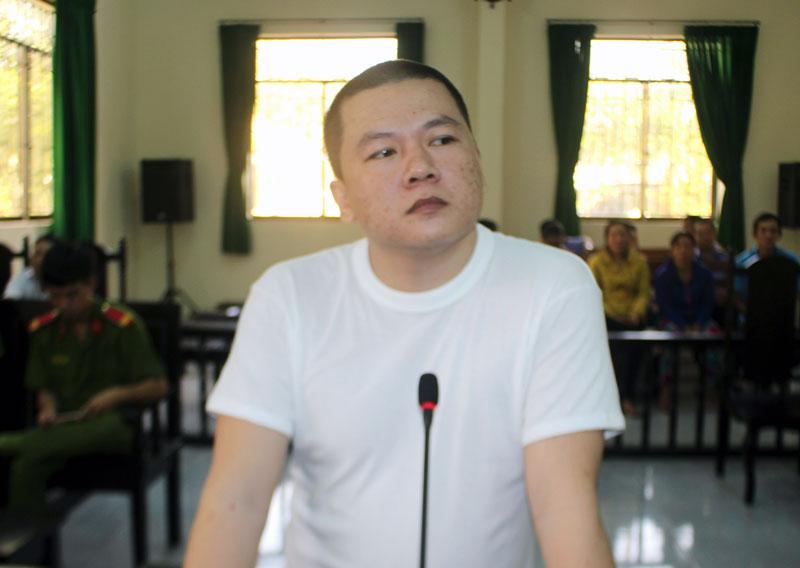 Bị cáo  Nguyễn Trường Giang tại phiên tòa hình sự sơ thẩm ngày 18-10-2018. Ảnh: H. Đức