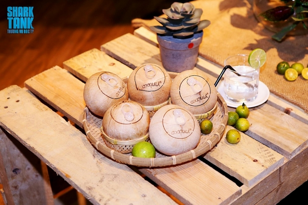 Sản phẩm dừa xiêm xanh Cocolala trong Chương trình. Ảnh: Cắt từ Chương trình phát sóng.