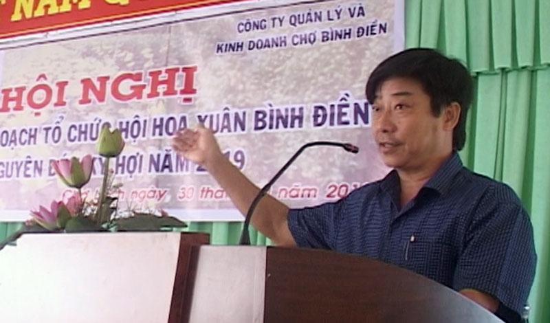 Phó chủ tịch UBND huyện Chợ Lách Phạm Anh Linh phát biểu tại hội nghị. Ảnh: Cao Khiết