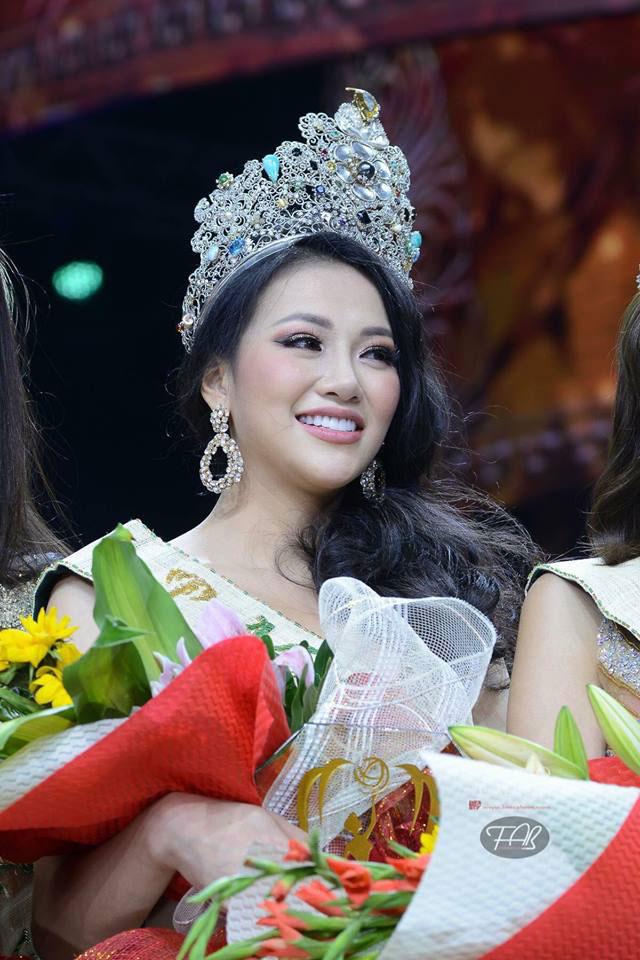Hoa hậu Nguyễn Phương Khánh tại cuộc thi (Ảnh do gia đình cung cấp)