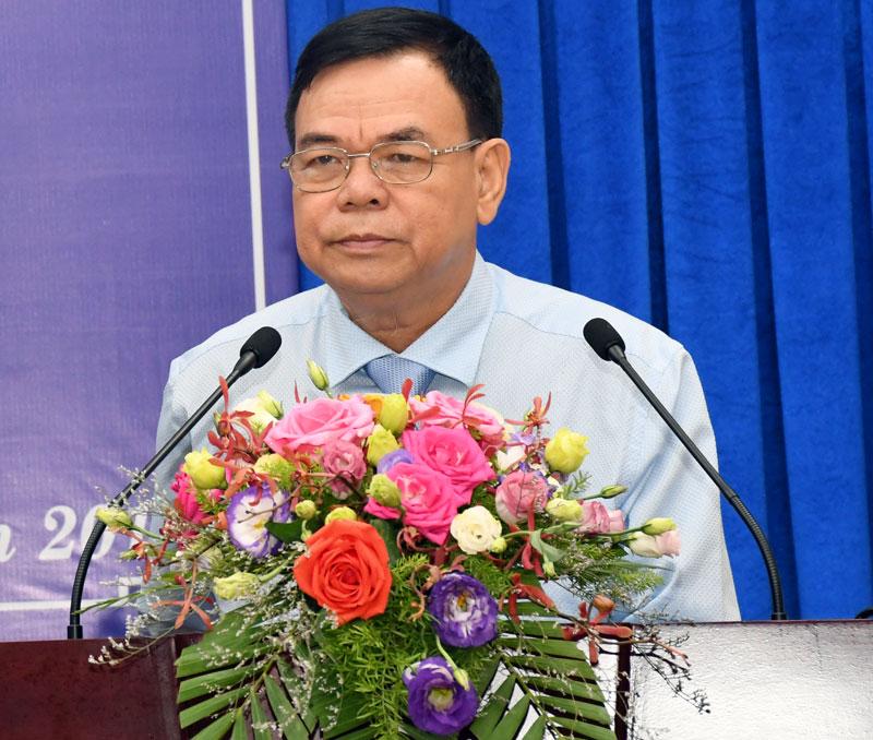 Chủ tịch HĐND tỉnh Võ Thành Hạo phát biểu bế mạc Kỳ họp.