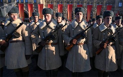 Lễ diễu binh, tái hiện Cuộc duyệt binh huyền thoại năm 1941-kỷ niệm 77 năm cuộc Chiến tranh Vệ quốc vĩ đại. Ảnh: Sputnik