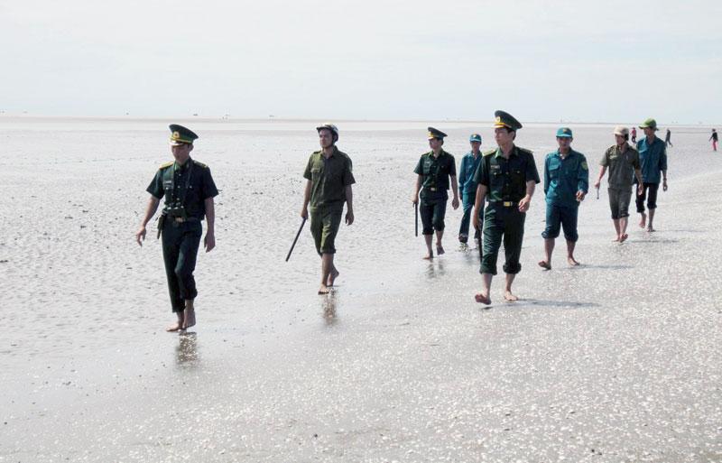 Lực lượng biên phòng đang làm nhiệm vụ tuần tra. Ảnh: P. Khánh