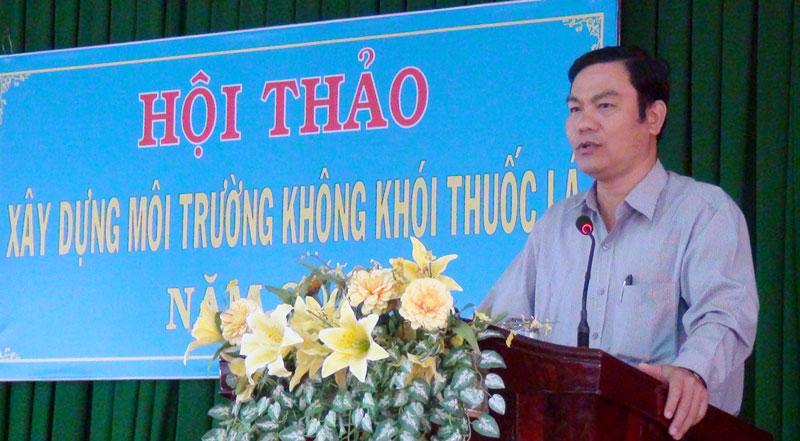 Phó chủ tịch UBND TP. Bến Tre Nguyễn Văn Thương phát biểu tại hội thảo. Ảnh: Hồng Quốc