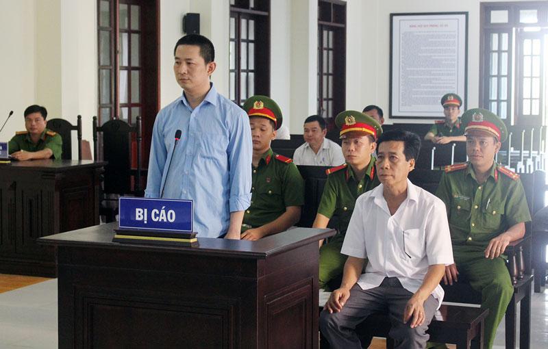 Đinh Khắc Trung Quân tại phiên tòa. Ảnh: Tuệ Mẫn