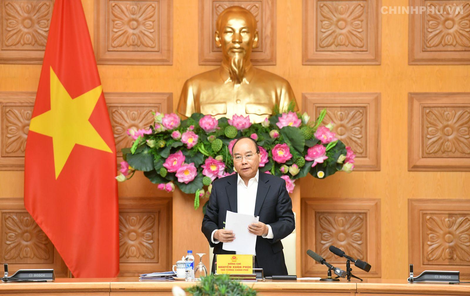 Thủ tướng Nguyễn Xuân Phúc chủ trì phiên họp Tiểu ban Kinh tế - Xã hội. Ảnh VGP/Quang Hiếu