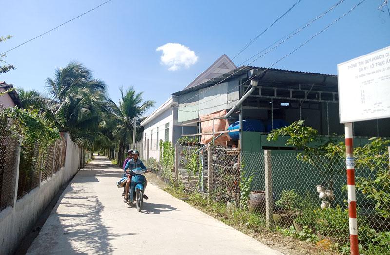 Nhiều tuyến đường mới khang trang được hoàn thành trong niềm vui chung của nhân dân.