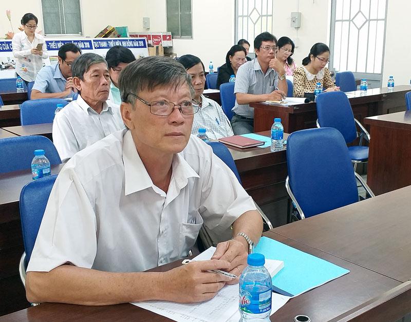 Đại biểu tham dự hội thảo.