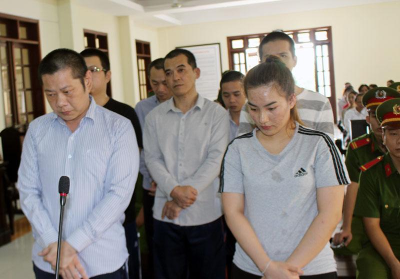 Các bị cáo tại phiên tòa hình sự sơ thẩm ngày 30-11-2018. Ảnh: H. Đức