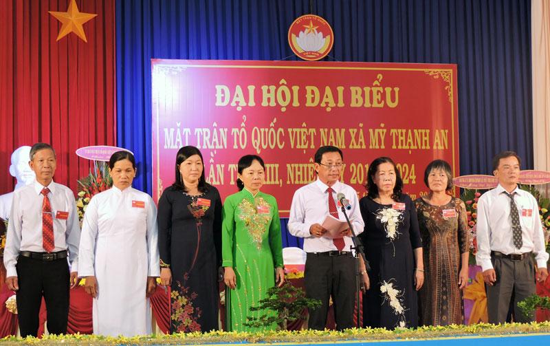 Đoàn đại biểu dự Đại hội cấp trên. Ảnh: P. Tuyết