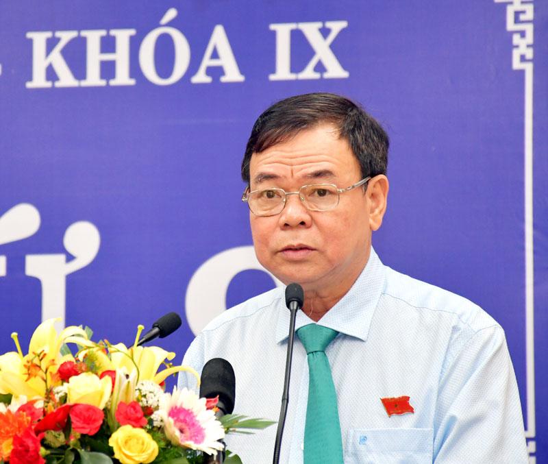 Bí thư Tỉnh ủy Võ Thành Hạo phát biểu khai mạc kỳ họp.