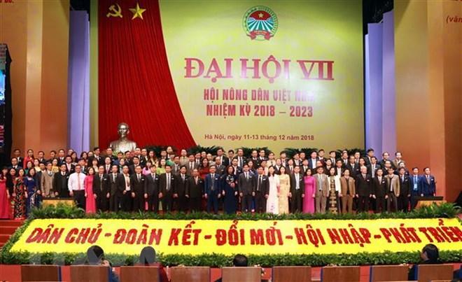 Ban Chấp hành Trung ương Hội Nông dân Việt Nam khóa VII ra mắt Đại hội. Ảnh: Hoàng Hùng/TTXVN