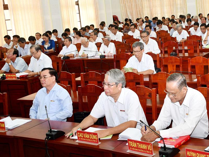 Các đại biểu dự hội nghị tại điểm cầu Bến Tre.