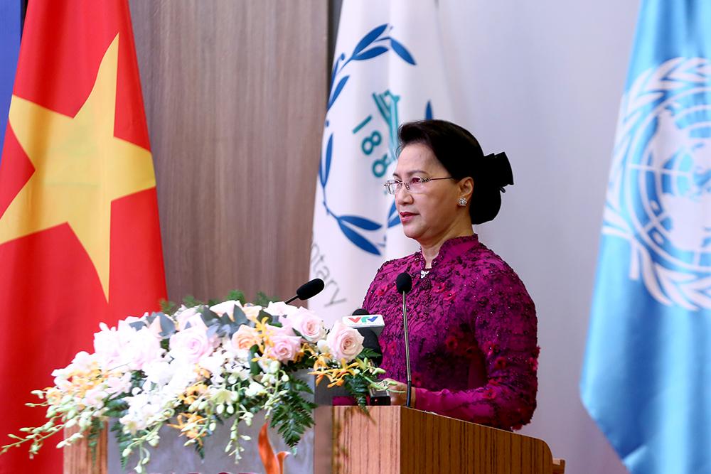 Chủ tịch Quốc hội Nguyễn Thị Kim Ngân phát biểu tại hội nghị. Ảnh: VGP/Đình Nam