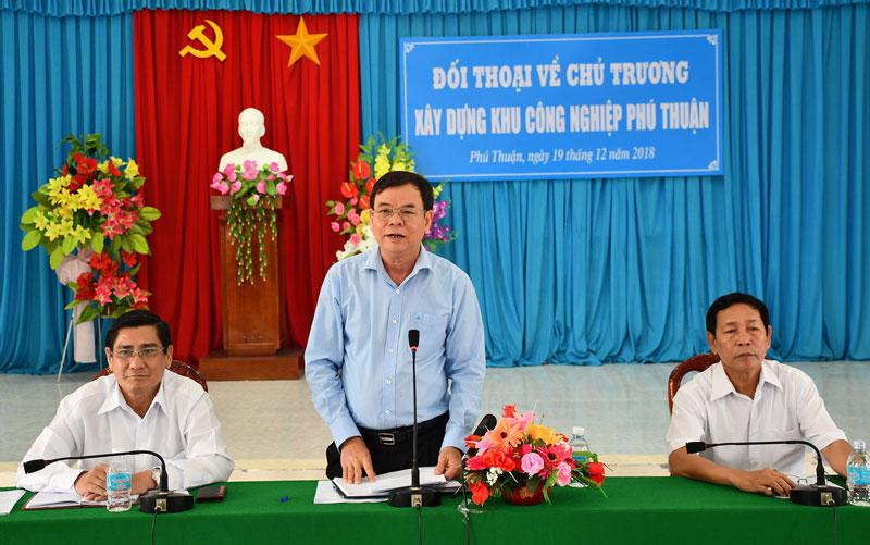 Bí thư Tỉnh ủy Võ Thành Hạo Phát biểu tại buổi đối thoại. Ảnh: Hữu Hiệp