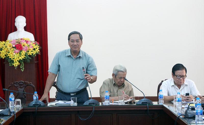 Phó chủ tịch UBND tỉnh Nguyễn Hữu Phước phát biểu. Ảnh: Trí Đức
