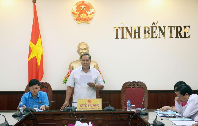 Phó chủ tịch UBND tỉnh Nguyễn Hữu Phước phát biểu tham luận. Ảnh: HT