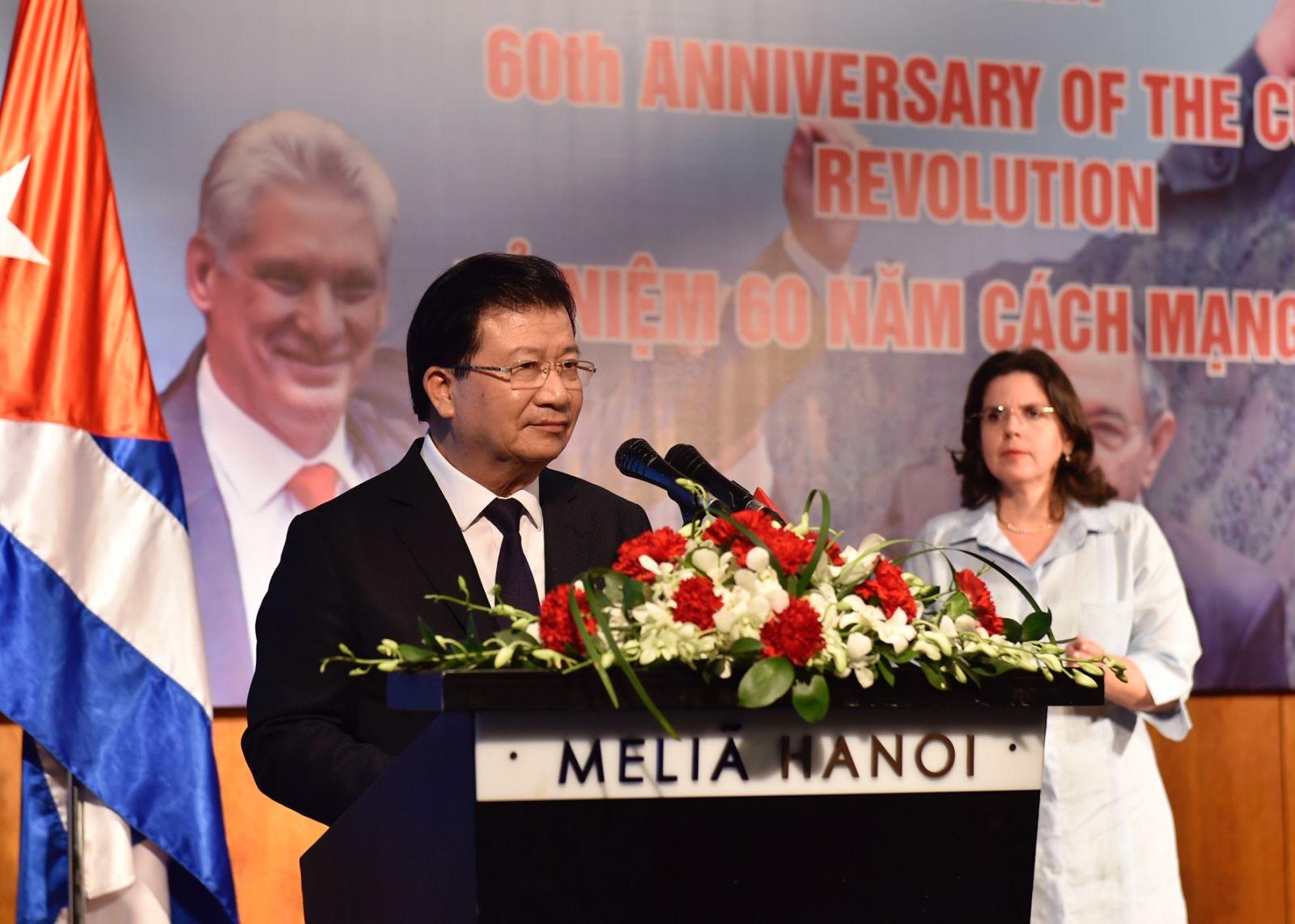 Phó thủ tướng Trịnh Đình Dũng phát biểu tại Lễ kỷ niệm. Ảnh: VGP/Nhật Bắc