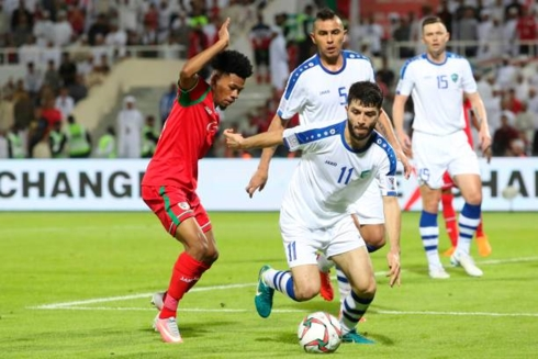 Uzbenkistan vất vả vượt qua Oman với tỷ số 2-1. Ảnh: Getty