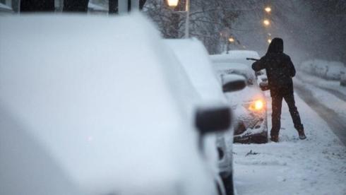 Trận bão tuyết kèm theo mưa, lạnh với nhiệt độ giảm sâu. Ảnh minh họa: Chicago Tribune