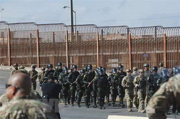 Binh sĩ Mỹ tham gia cuộc diễn tập tại khu vực Hidalgo, Texas, biên giới với Mexico, ngày 5-11-2018. Nguồn: AFP/TTXVN